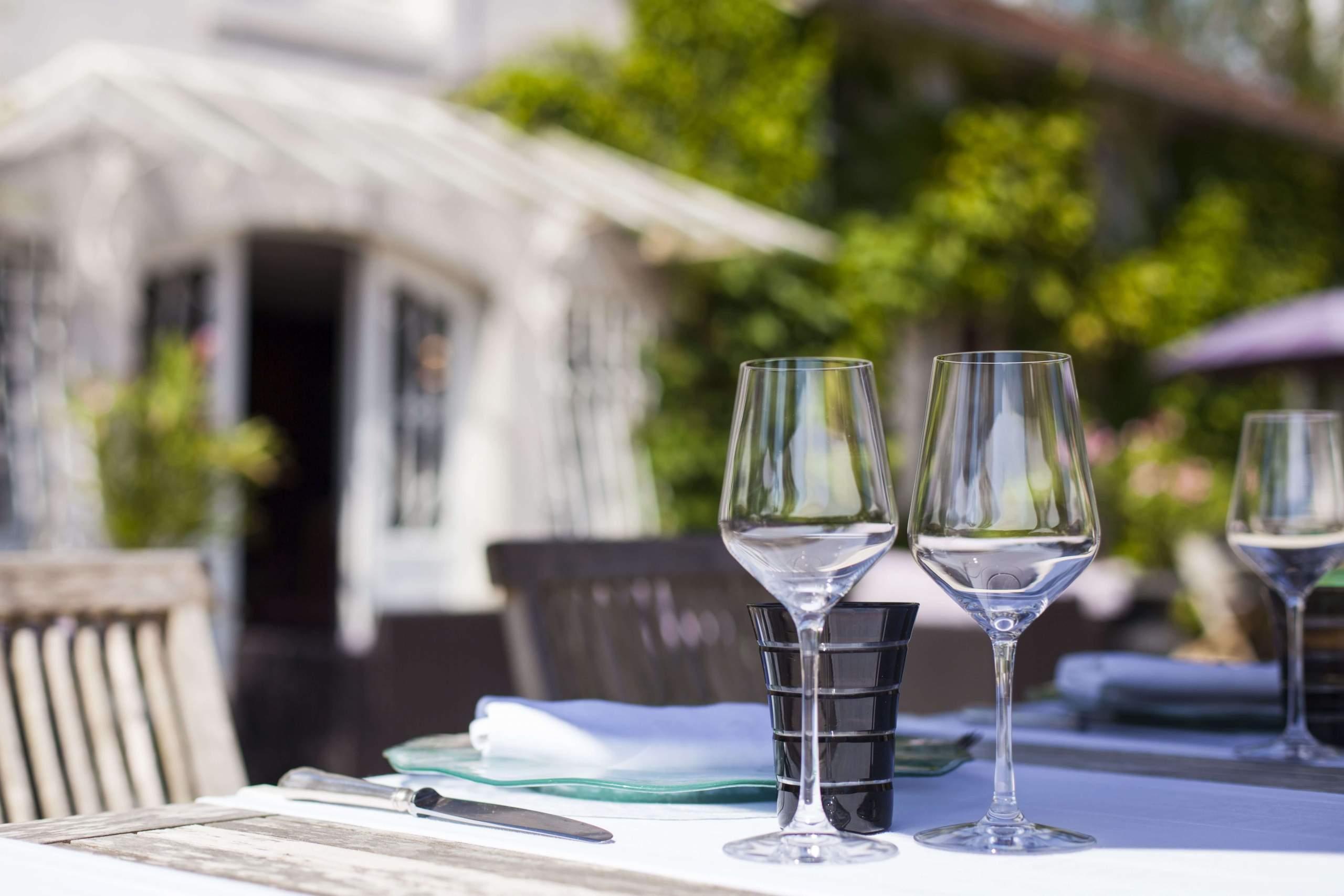 Terrasse · La Source Bleue · Hotel de Charme Insolite Haute-Marne